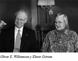 Foto: Oliver E. Williamson y Elinor Ostrom